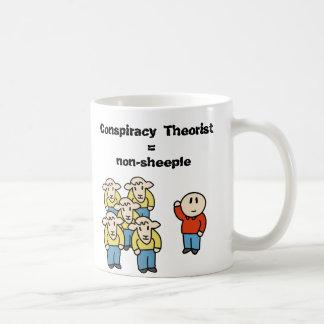 Teórico = non-sheeple de la conspiración taza básica blanca