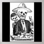 Tequila que fuma y de consumición del esqueleto póster