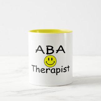 Terapeuta del ABA (smiley) Taza De Café De Dos Colores