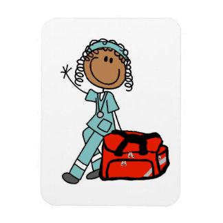 Terapeuta respiratorio de sexo femenino o EMT Imán