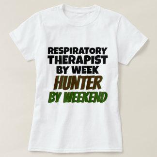Terapeuta respiratorio del cazador de la semana playera