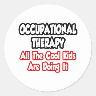 Terapia profesional… todos los niños frescos pegatina redonda