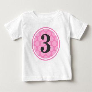 Tercer chica número 3 del cumpleaños del lunar t-shirts