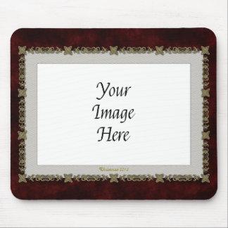 Terciopelo rojo con el ornamento de oro tapetes de raton