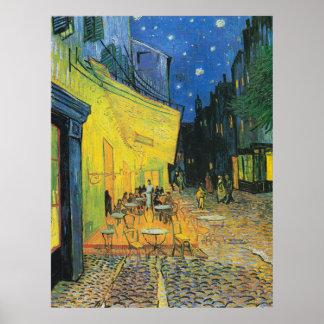 Terraza de Vincent van Gogh Caf en la noche Póster