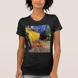 Terraza del café de Van Gogh en la noche Camisetas