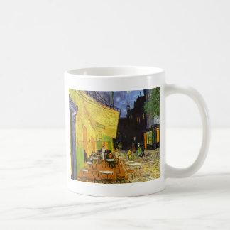 Terraza del café de Van Gogh en la noche Tazas De Café
