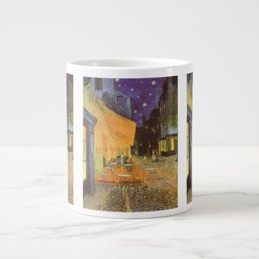 Terraza del café en la noche de Vincent van Gogh Taza Grande