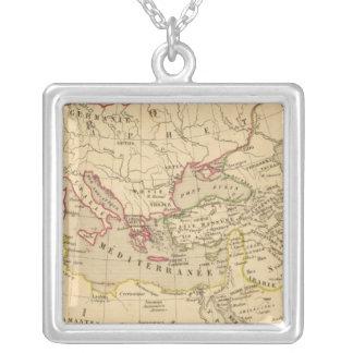 Terre aux trois fils de Noe Silver Plated Necklace