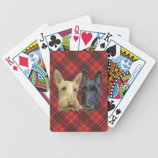 Terrieres escoceses de trigo y negros barajas de cartas