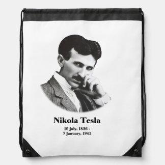 Tesla joven mochilas