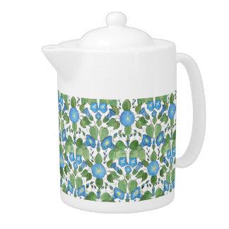 Tetera azul nostálgica de la porcelana de la