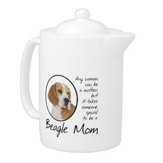 Tetera de la mamá del beagle