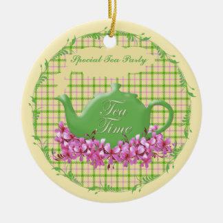 Tetera del tiempo del té del recuerdo adorno navideño redondo de cerámica