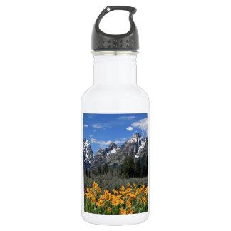 Tetons magnífico con las flores amarillas botella de agua de acero inoxidable