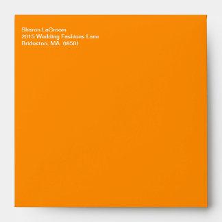 Texto blanco que envía anaranjado oscuro de moda sobre