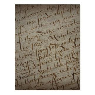 Texto con la escritura antigua, papel viejo del postales