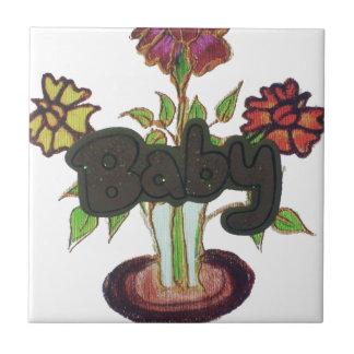 Texto del bebé que oculta plant.png azulejo cuadrado pequeño