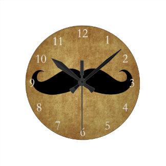 Texto del bigote w/Custom del vintage Reloj Redondo Mediano