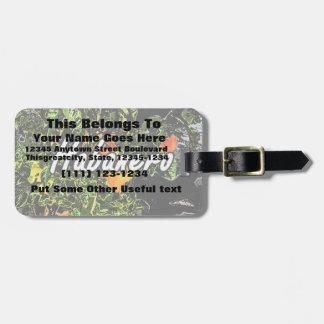 Texto del habanero contra la fotografía de la plan etiqueta de maleta