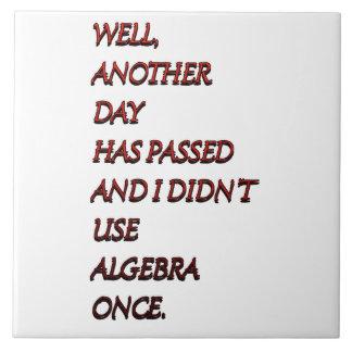 Texto divertido de la álgebra teja  ceramica