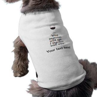 Texto divertido del vino playera sin mangas para perro