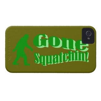 Texto ido verde del lema del squatchin Case-Mate iPhone 4 protector
