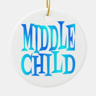 Texto medio del niño en azul adorno redondo de cerámica