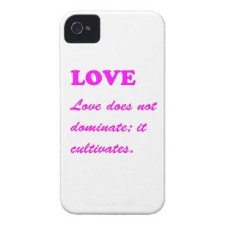 Texto: REGALOS baratos CALIENTES de los corazones Funda Para iPhone 4 De Case-Mate