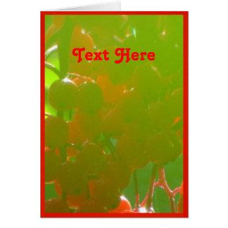 Texto rojo aquí tarjeta de felicitación