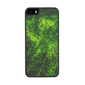Textura agrietada verde del Grunge del modelo de Funda De Arce Carved® Para iPhone 5