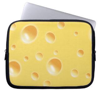 Textura amarilla del queso suizo funda ordendadores