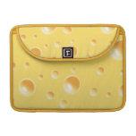Textura amarilla del queso suizo fundas para macbook pro