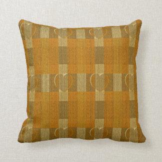 Textura anaranjada de la arpillera de los corazone almohadas