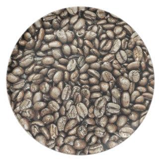 Textura de la estructura de los granos de café plato para fiesta