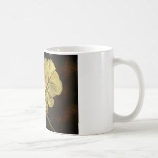 Textura de la flor del geranio taza de café