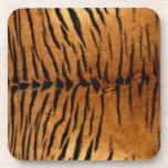 Textura de la piel del estampado de animales del posavasos de bebidas