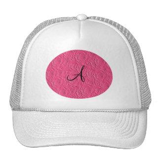 Textura de los rosas rosados del monograma falsa gorra