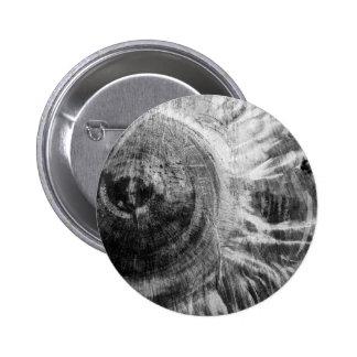 Textura de madera blanco y negro pin redondo de 2 pulgadas