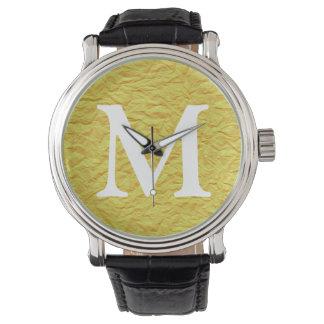 Textura de papel amarilla arrugada relojes
