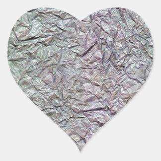 Textura de papel arrugada metálica pegatina en forma de corazón