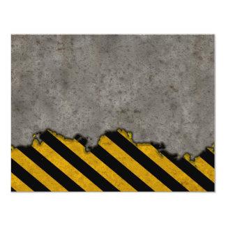 "Textura de piedra rayada peligro invitación 4.25"" x 5.5"""