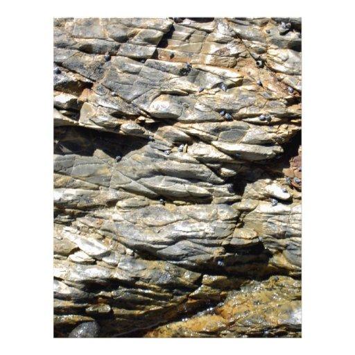 Textura del acantilado de la roca que desmenuza tarjeta publicitaria