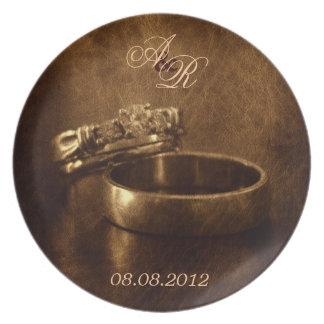 textura elegante del cuero de los anillos de bodas plato