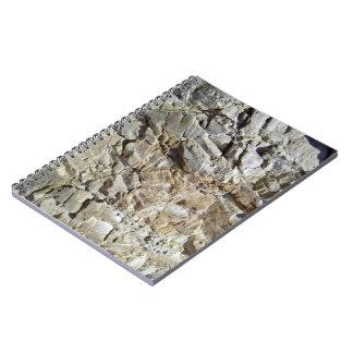Textura natural de piedra rocosa de la montaña spiral notebook