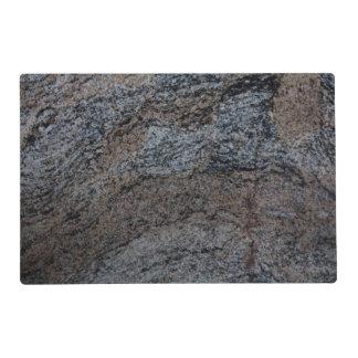 Textura negra roja de piedra del granito salvamanteles