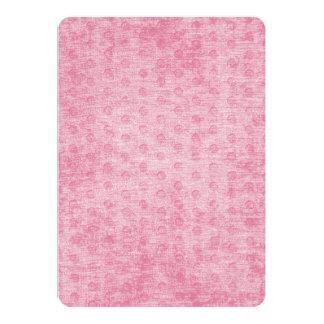 """Textura nudosa rosada de la tela de felpilla invitación 5"""" x 7"""""""