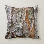 Textura real de la corteza de árbol almohadas