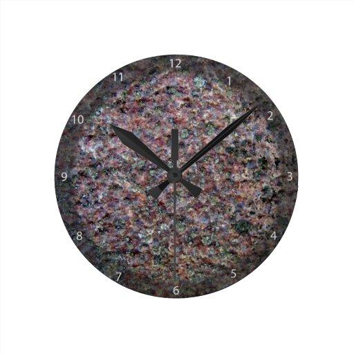 Textura roja y negra del granito reloj redondo mediano