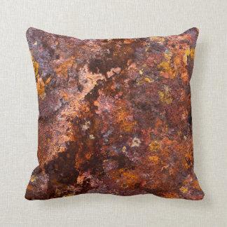 Textura rústica vibrante del hierro de Brown Cojín